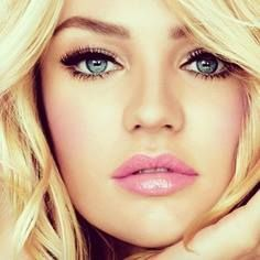 Love the pink lips and big eyelashes