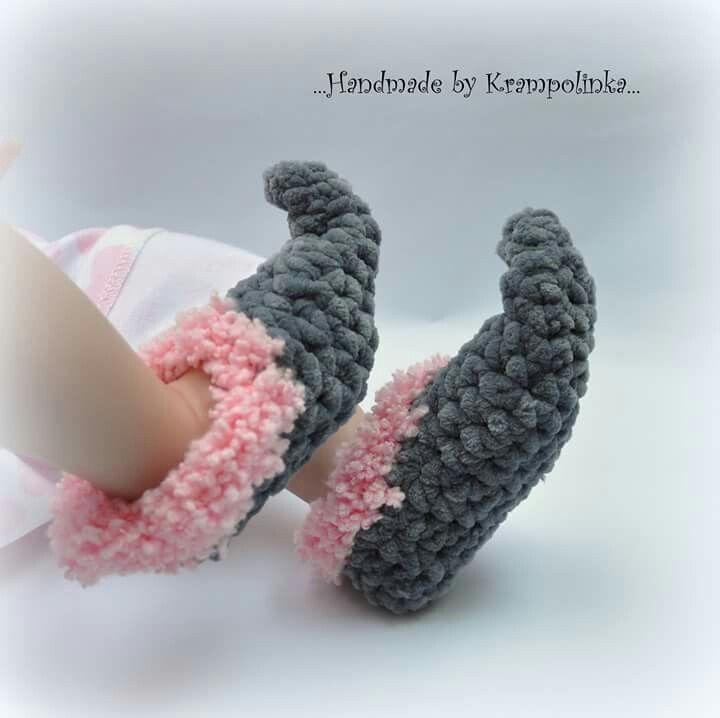 Baby crochet elf shoes booties grey  pink