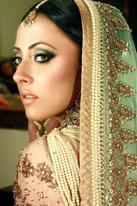 how to make pouf hair style best 25 indian wedding fashion ideas only on 5788