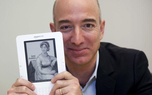 """2013 - 13 de Mayo - Amazon desarrolla un smartphone que tendrá pantalla 3D - Nueva York (DPA). Desde hace tiempo se especula con el lanzamiento de un smartphone por parte de Amazon, pero ahora se añade a los rumores que el aparato podría mostrar imágenes en 3D sin necesidad de gafas especiales, publica hoy el """"Wall Street Journal"""".    El aparato es uno de varios en los que trabaja Amazon, según el periódico. una tecnología que sigue el movimiento de los ojos, las fotos se ven como un…"""