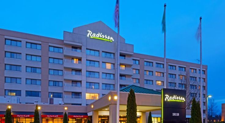 Radisson Hotel Seattle Airport SeaTac This upscale Seattle Airport Hotel is located at the entrance to Seattle-Tacoma International Airport and is the closest full service hotel offering complimentary 24-hour shuttle service.