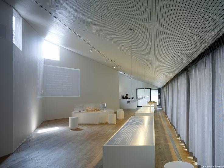 Info-Center-Rijksmuseum-Amsterdam_Design-interior-iluminacion-expo_Cruz-y-Ortiz-Arquitectos_LKR_02-X