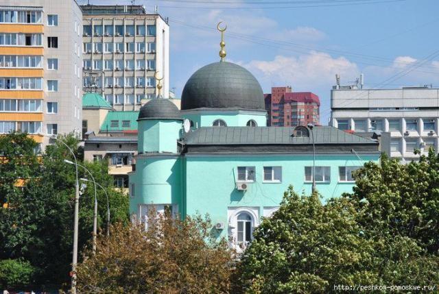 Поздравление российским мусульманам с праздником Ураза-байрам.  Владимир Путин поздравил российских мусульман снаступлением праздника Ураза-байрам. Впоздравлении, вчастности, говорится: «Завершая священное время поста– месяца Рамадан, пра�