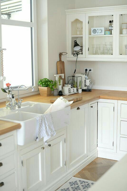 Want  this sink in my kitchen