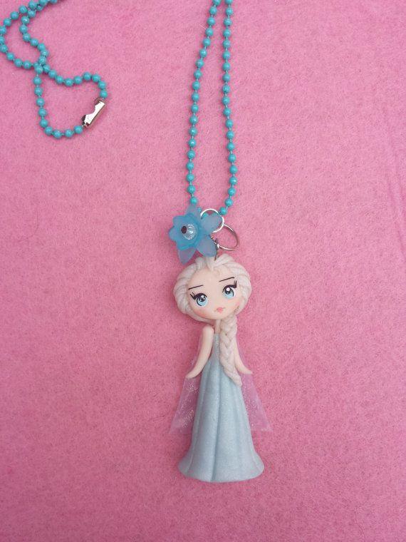Necklace Elsa frozen in fimo polymer clay. por Artmary2 en Etsy, €12.00