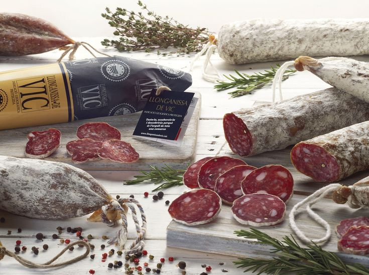 The Vic longaniza sausage is one of Catalonia's most emblematic sausages and one of the most well-known throughout the world as the result of the International Paris Exhibition in 1857. Its tradition can be traced to the 14th century at least and it's labeled with the Protected Geographical Indication. You can buy it at the weekly Vic market. #bcnmoltmes #Vic #Osona #gastronomy #sausage