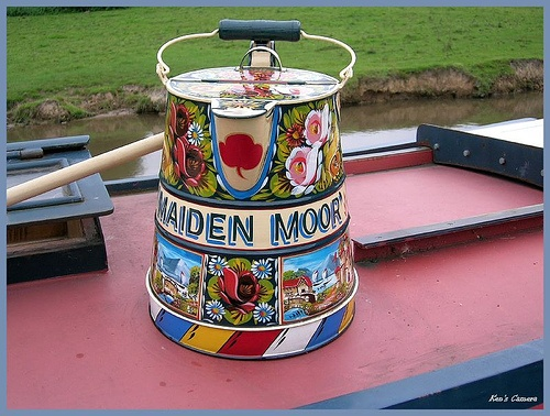 Narrowboat painted kettle - a lovely example of traditional canal art.