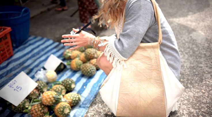 NUVI NOMAD Yoga Shopper made from leaves