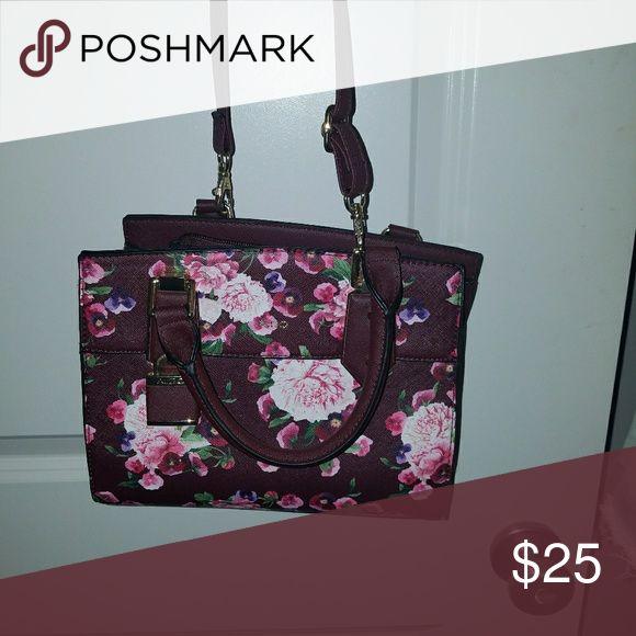 ALDO floral crossbody ALDO floral crossbody Aldo Bags Crossbody Bags