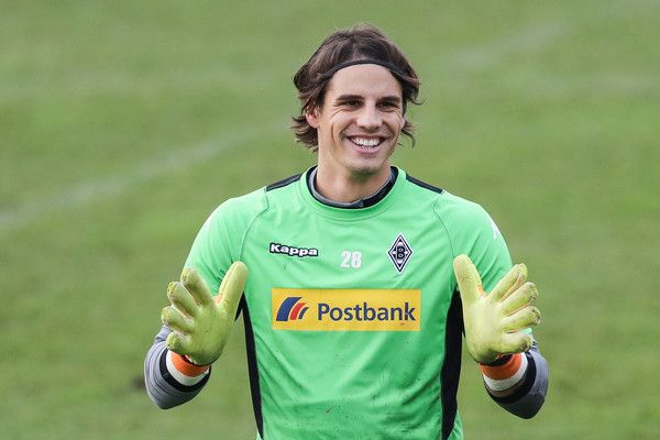 Yann Sommer Photos Photos Borussia Moenchengladbach Training Session Soccer Players Soccer Sports Women