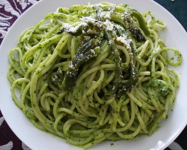 Receta de Espagueti verde con chile poblano - Fácil