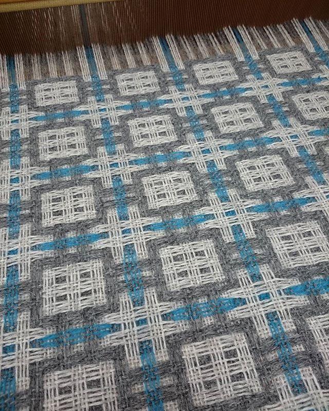 deflected double weaving. #deflecteddoubleweave #weaving #myhobby #scarf #handweaving