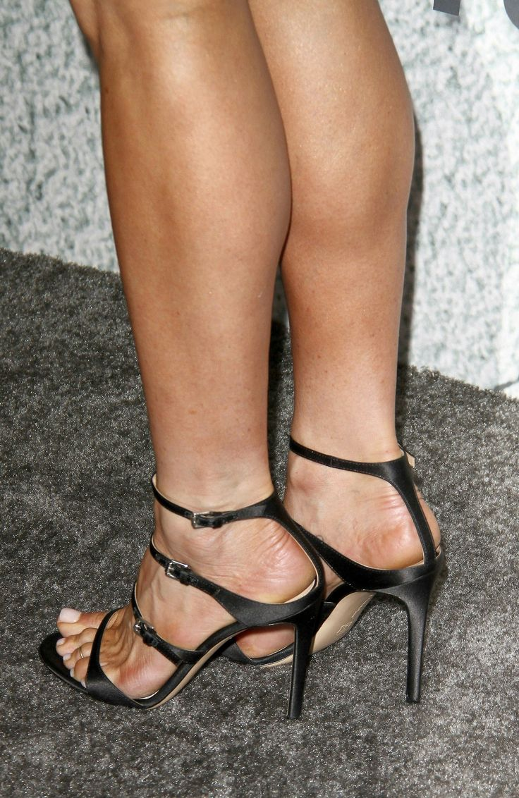 Pin On Girls Feet Toes High Arches And Beautiful Foot -8528