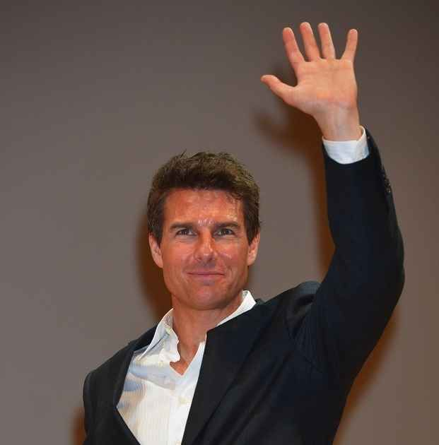 Tom Cruise | 59 Famous People Who Are Left-Handed