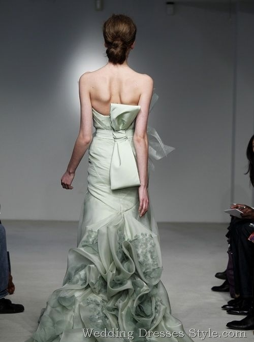 Vera S Wedding Gowns Are Known For Stylish And Being Simple