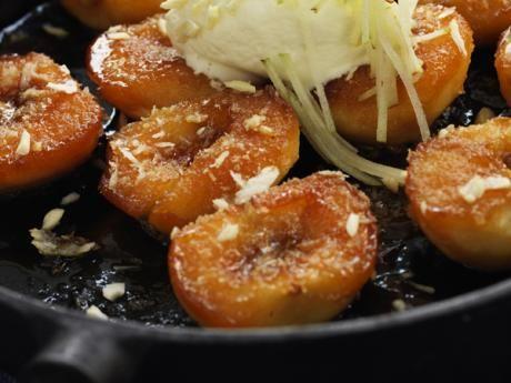 Äpplen i ugn med  karamelliserad vaniljkräm