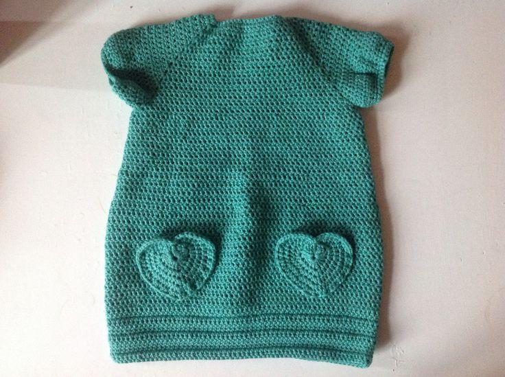Babykjole med hjertelommer