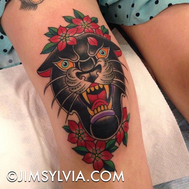 Here's a fun panther knee tattoo from yesterday at @palmtreesandtattoos convention. She's one tough cookie to sit so well and get the who thing done in one shot. #PalmTreesAndTattoos #PalmSpringsTattooConvention
