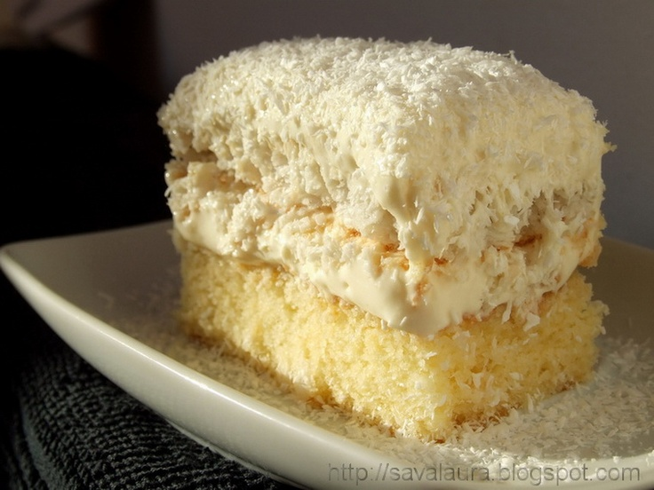 Prajitura Raffaello: Alt Deserturi, Romanian Recipes, Romanian Cusin, Laura Sava, Creme Dulci, Raffaello Cakes, By Laura, Prajitura Raffaello, Recipes