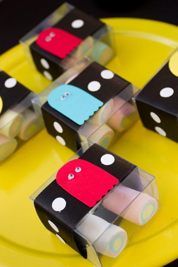 Detalhes de doces para festa com tema Pac Man. Foto: Luciana Cardoso Fotografia