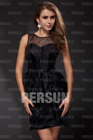 Petite robe noire transparente enveloppe en organza