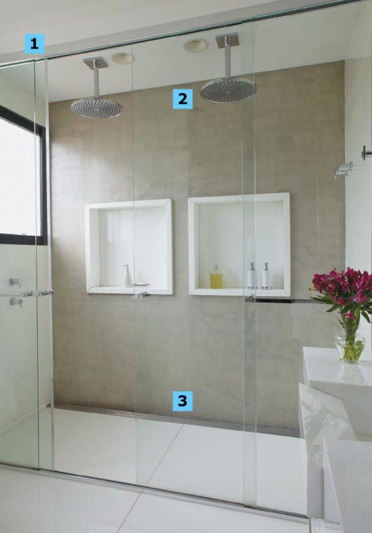 1. Valioso principalmente em banheiros integrados ao quarto, o boxe vai até o teto e evita que o vapor se espalhe. Detalhe: é preciso haver…