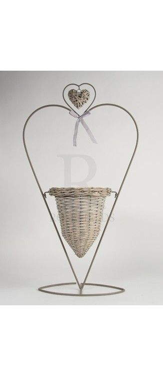 Large Heart Stand With Basket @ rosefields.co.uk chic_boutique_homeware £29.99