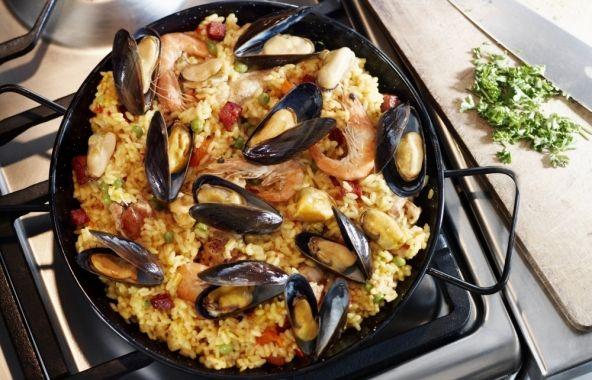 Paella met mosselen - Recepten - Mosselen kunnen altijd!