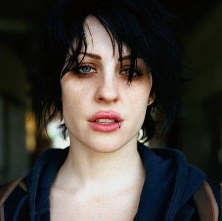1000+ ideas about 90s Makeup on Pinterest   1990s makeup ...
