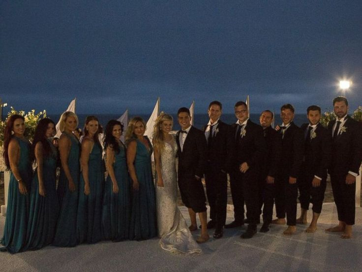 PHOTO: A group photo of the entire wedding party.  Oksana's  Wedding.   2014