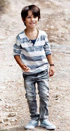 57b5ff45cf17d5af6602ce625a261424--kid-styles-stylish-kids.jpg