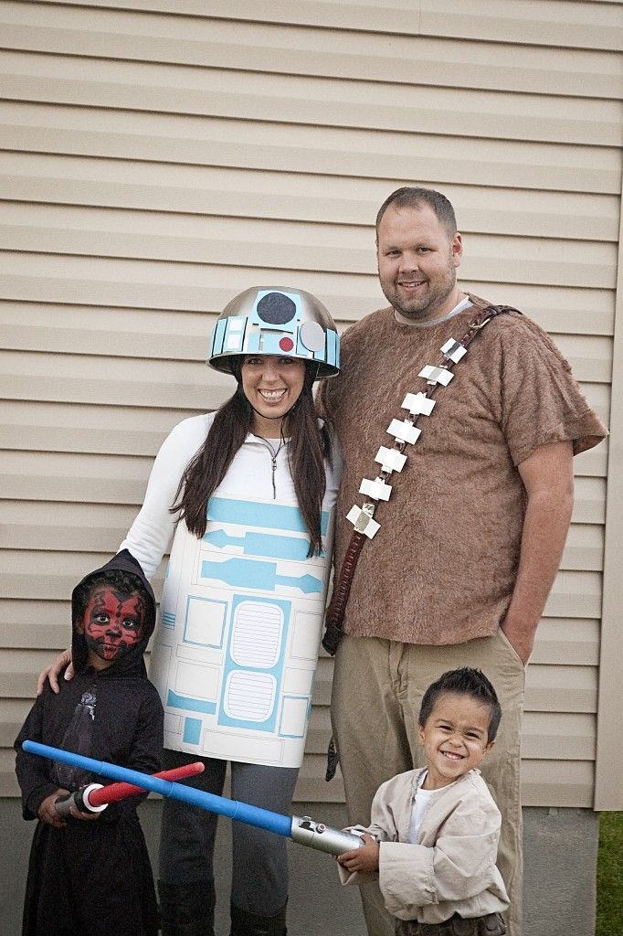 Family #StarWars Costumes. (That's an upside-down mixing bowl attached to a bike helmet on my head!)