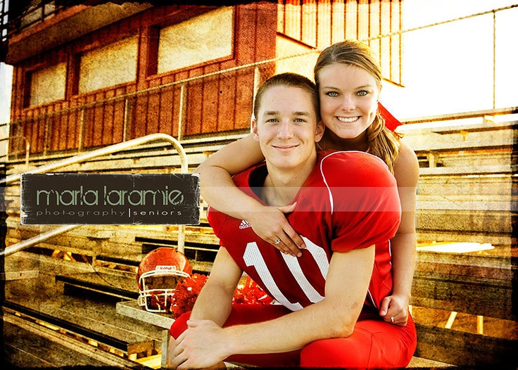 football player and cheerleader couples are the cutest :)