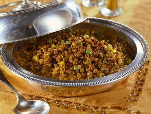 Dalle lenticchie in umido a quelle con polenta e cotechino: scopri su Sale&Pepe le dieci migliori ricette con le lenticchie.