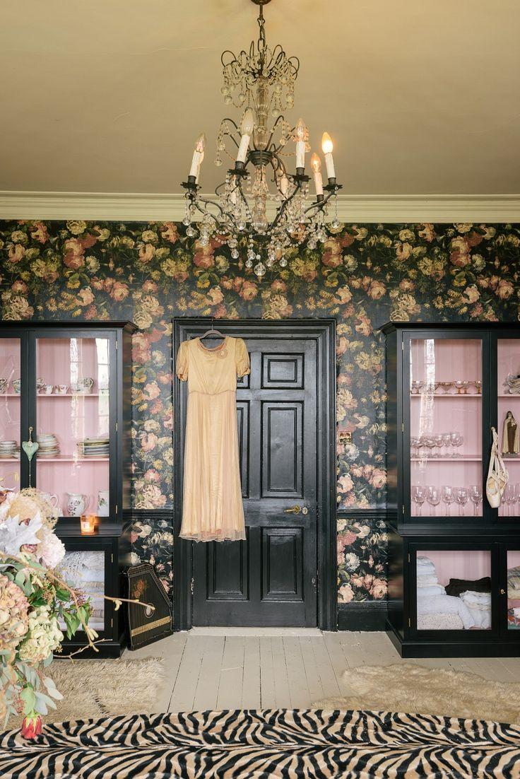 Pearl Lowe's fabulously glamorous dining room