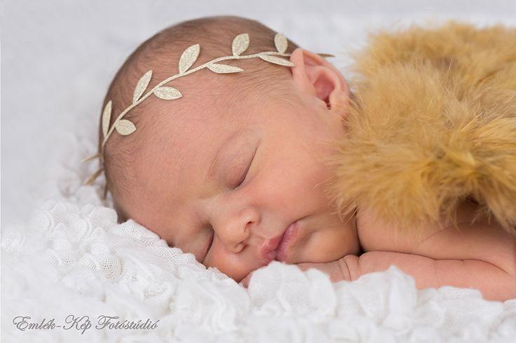 Újszülött fotózás - Newborn photography | Emlék-Kép Fotóstúdió