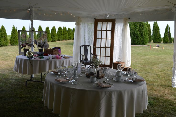 Whether you choose to hire a decorator or DIY, we allow brides the flexibility to set it up their way.