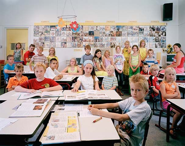 How Children Learn: Portraits of Classrooms Around the World | Brain Pickings: Germain Nederland Fotomuseum, Photographers Julian, Basisschool De, Classroom Portraits, Around The World, Julian Germain, British Photographers, Photographers Classroom, Holanda Netherlands