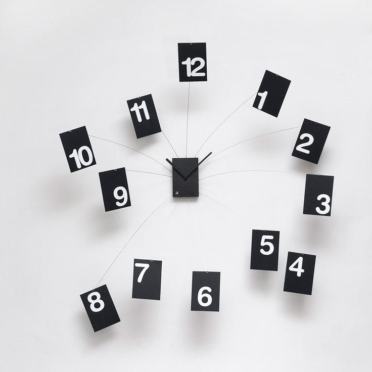 www.muebleslluesma.com Reloj de pared realizados en espuma de caucho, acero y PVC, diseño de Alberto Sala modelo iltempovola de la marca progetti. relojes on line pared progetti, reloj pared moderno progetti, relojes grandes pared progetti