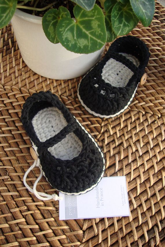 Crochet baby booties mary jane black and by prettylittleshoes