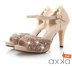 Being the next Cinderella with these sexy lace diamond shoes.