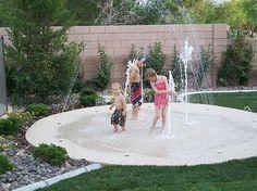 Quero uma dessas no meu quintal!!!  Mais barato e seguro que um piscina... e muito divertido...