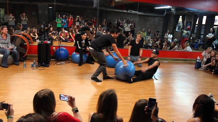 {Im5- Will and Dana Interpretive Dance to Superman in Atlanta Georgia, Nov 2} THIS IS SO FUNNY!!!