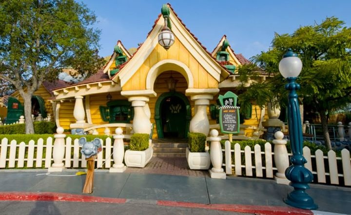 I'll miss Mickey's house too. At least I have video of both of my kids playing in it. Toon Town
