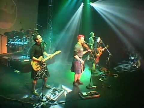 Modern Very Cool Irish music.....kilts ahead!!!Modern Irish, Spiders Web Kilts, Lanigan Ball, Irish Music Kilts, Lannigan Ball, Haggis Kilts Ahead, Music Kilts Ahead, Irish Kilts, Sounds
