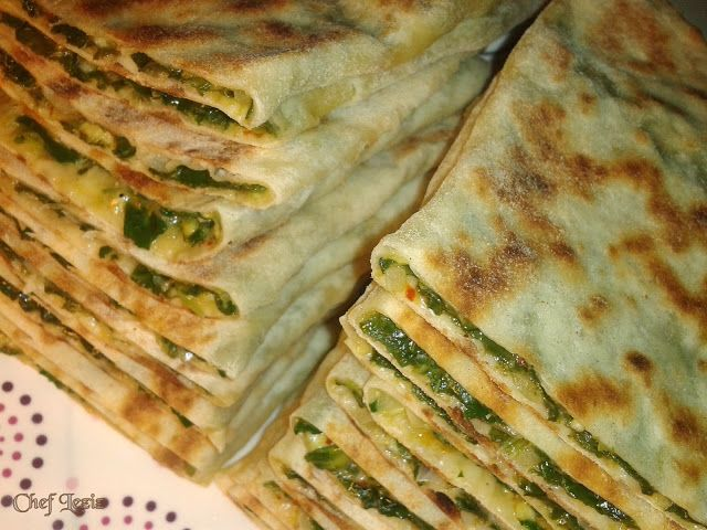 Chef Leziz: Ispanaklı Peynirli Sac Böreğibu hamur tarifi ile lahmacun, kır pidesi,pizza da yapabilirsiniz.hepsinde de çok başarılı oluyor.)    - See more at: http://chefleziz.blogspot.com.tr/2013/02/ispanakl-peynirli-sac-boregi.html#sthash.lsPnKykr.dpuf
