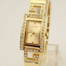 These watches are always in fashion and have an outstanding look.  Golden color is the hot favorite color of the girls and the women. These gold wrist watches look astonishing. People always love to wear the gold wrist watches. The trend of wearing gold wrist watches is in fashion in 2015. Plain gold wrist watches are also very trendy. These gold wrist watches have very intricate and delicate designs. Gold wrist watches with delicate designs are going to be the most trendy in 2015.