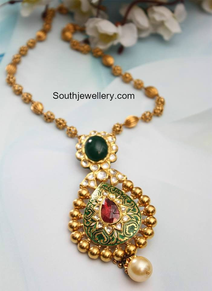 Antique Gold Balls Necklace with Kundan Pendant