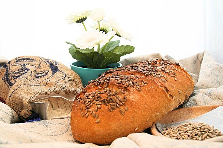Napraforgó maggal megszórt rozmaringos bloomer – GastroGranny konyhája