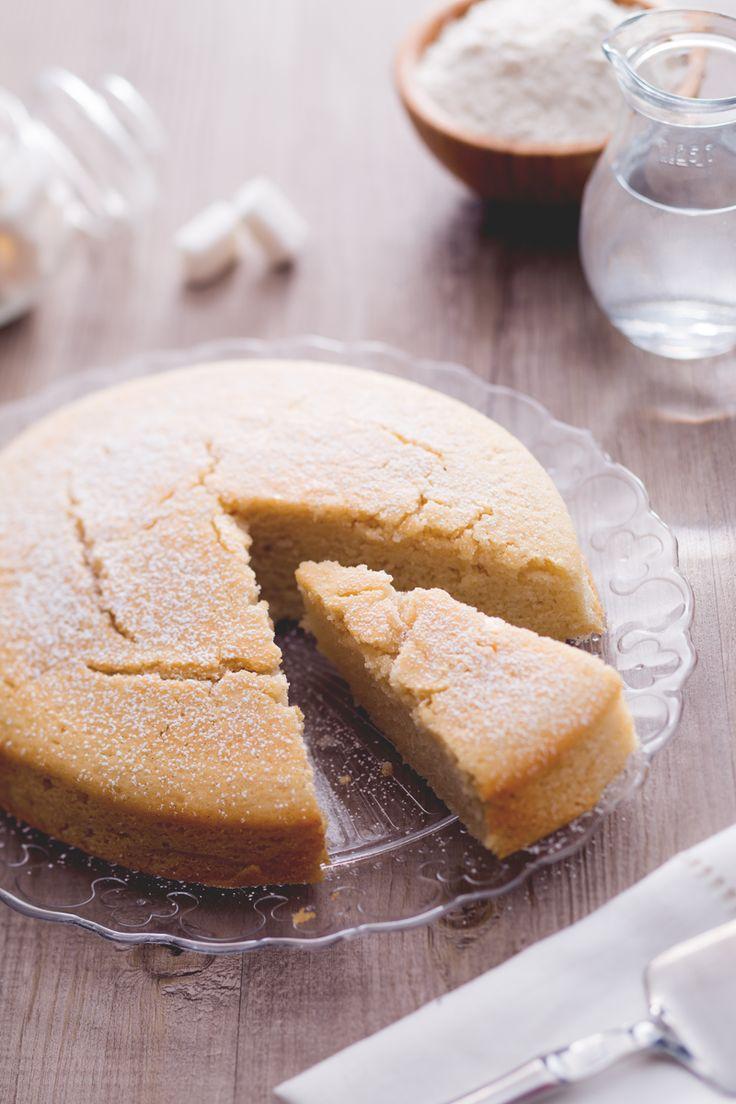 Se pensate che un dolce senza uova, burro e latte non possa esistere, con la torta all'acqua cambierete idea e scoprirete che non solo è leggero ma anche delizioso! (Water cake: no butter, no eggs, no milk)